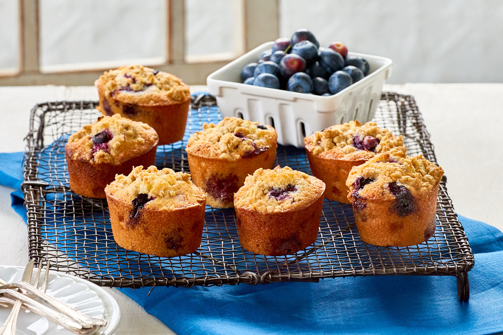 Spiced apple and blueberry crumble friands